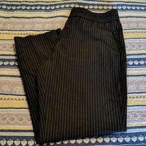 NWT Banana Republic pull on trousers